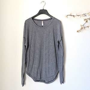 LUCY Athleisure Striped Grey Athletic Top Yoga Sm